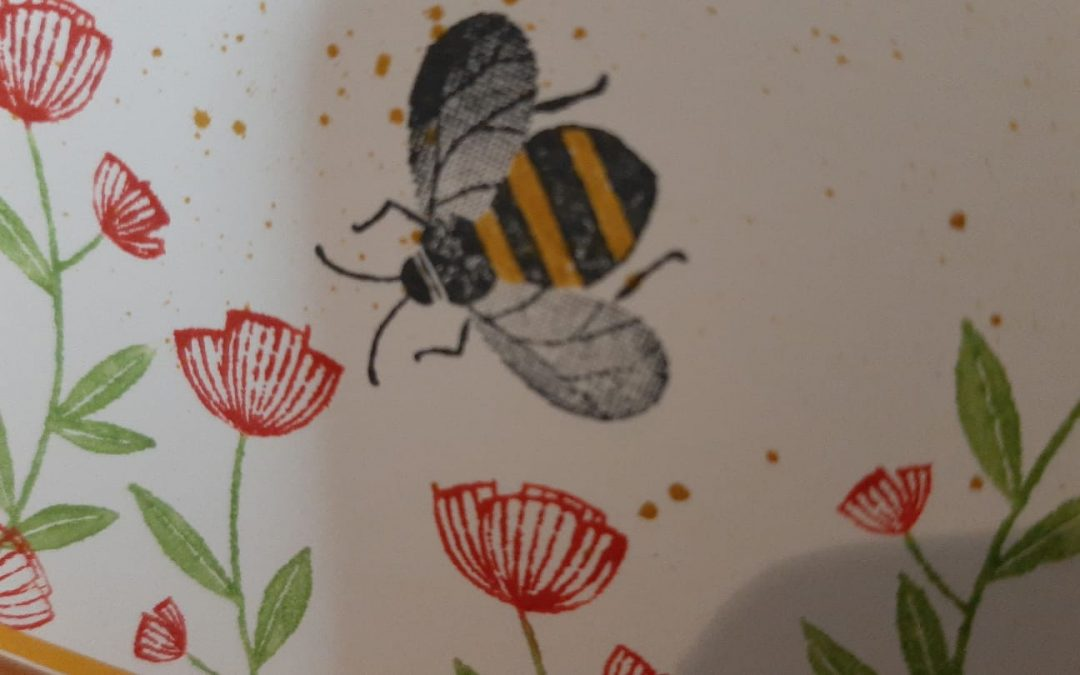 Honey Bee in de bloemetjes
